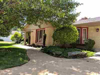 Wayne Single Family Home For Sale: 29850 Pointe