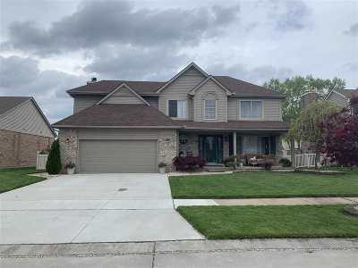 Wayne Single Family Home For Sale: 17002 Autumn Ln