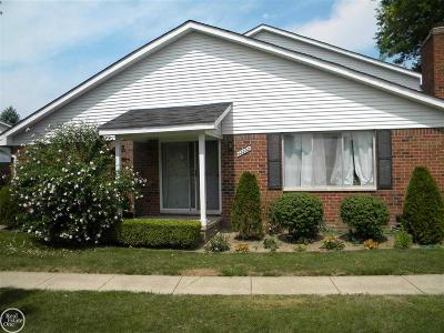 Clinton Township Condo/Townhouse For Sale: 42232 Toddmark