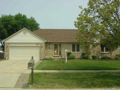 Fraser Single Family Home For Sale: 33494 Paoletti