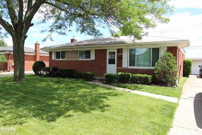 Sterling Heights Single Family Home For Sale: 33826 Brookshire Dr