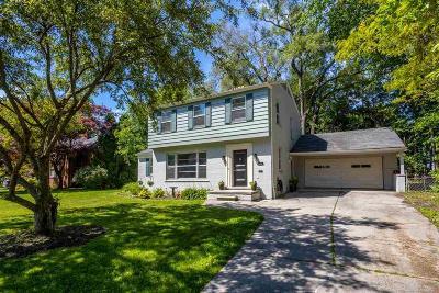 Grosse Pointe Park Single Family Home For Sale: 801 Pemberton