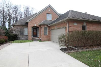 Macomb Condo/Townhouse For Sale: 50812 Redwood