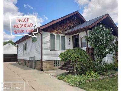 Royal Oak Single Family Home For Sale: 2011 Guthrie Ave