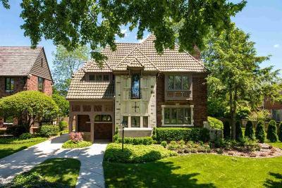 Grosse Pointe Park Single Family Home For Sale: 776 Trombley
