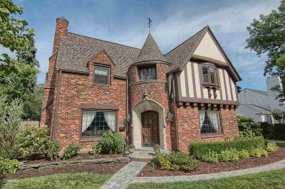 Grosse Pointe Park Single Family Home For Sale: 806 Pemberton