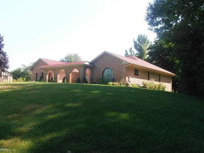 Rochester Single Family Home For Sale: 1247 Knob Creek