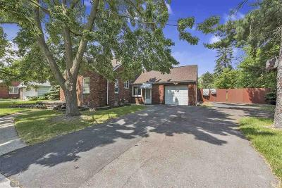 Harper Woods Single Family Home For Sale: 19901 Woodcrest