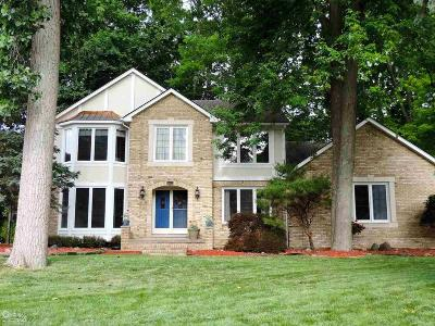 Shelby Twp Single Family Home For Sale: 48823 Golden Oaks