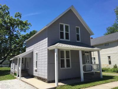 Port Huron Single Family Home For Sale: 2013 Saint Clair