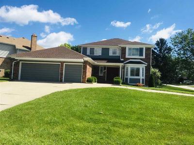 Rochester Single Family Home For Sale: 344 Sandalwood