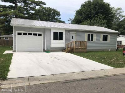 Algonac Single Family Home For Sale: 361 Sherwood