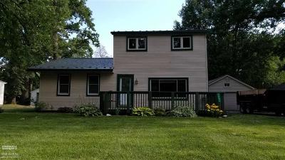 Auburn Hills Single Family Home For Sale: 2082 Oaknoll St.