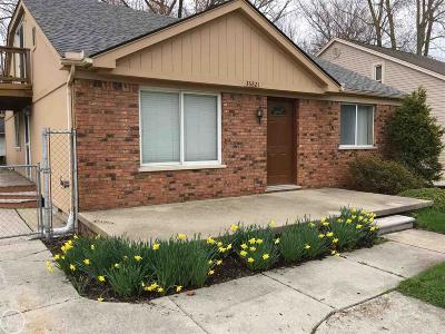 Harrison Twp MI Single Family Home For Sale: $205,000