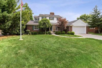 Grosse Pointe Shores Single Family Home For Sale: 56 Hampton