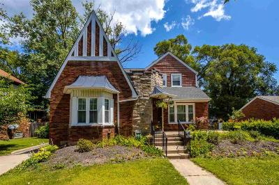 Grosse Pointe Park Single Family Home For Sale: 970 Lakepointe