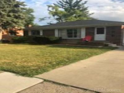 Mount Clemens Single Family Home For Sale: 919 N Esplanade St