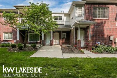 Sterling Heights Condo/Townhouse For Sale: 5337 Twin Oaks