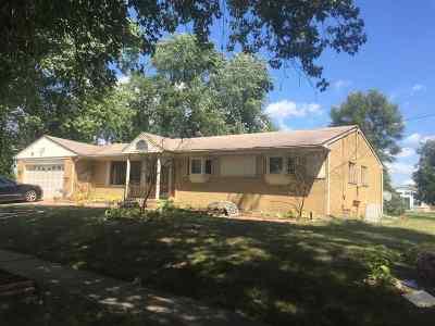 Flint Single Family Home For Sale: 1921 McPhail St