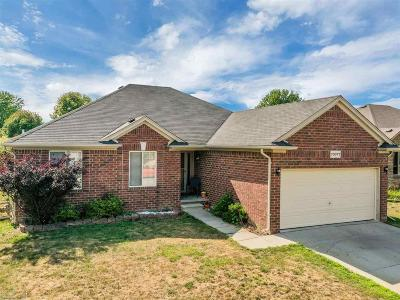 Richmond Single Family Home For Sale: 70077 Crystal