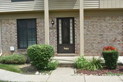 Warren Condo/Townhouse For Sale: 29429 Scarborough Dr