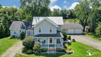 Dundee Single Family Home For Sale: 8749 N Custer Rd.