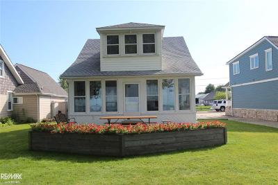 Fair Haven Single Family Home For Sale: 8180 Long Island Ct