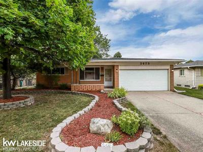 Oakland Single Family Home For Sale: 2673 Rhodes