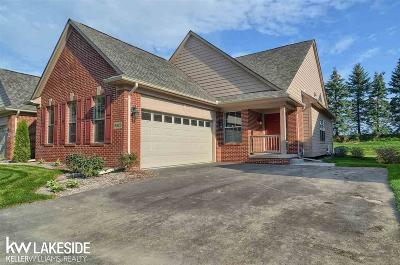 Clarkston Condo/Townhouse For Sale: 6920 Stonewood Place Drive