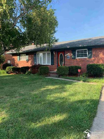Wayne County Single Family Home For Sale: 30057 Young Street
