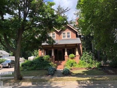 Macomb Single Family Home For Sale: 140 Church St.