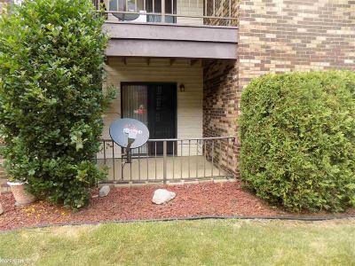 Roseville Condo/Townhouse For Sale: 29910 Utica