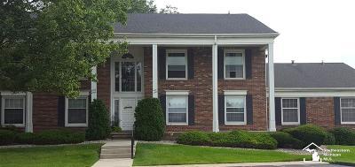 Trenton Condo/Townhouse For Sale: 4561 Leisure Lane
