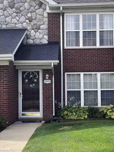 Fraser Condo/Townhouse For Sale: 33492 Utica