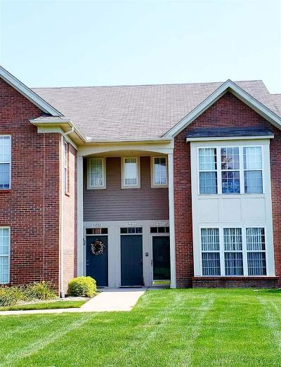 Chesterfield Condo/Townhouse For Sale: 51810 Lionel
