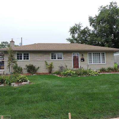 Sterling Heights Single Family Home For Sale: 13393 Cloverlawn