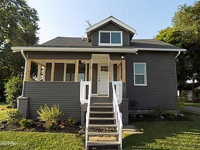 Roseville MI Single Family Home For Sale: $135,000