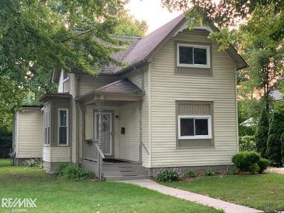 Mount Clemens MI Single Family Home For Sale: $154,900