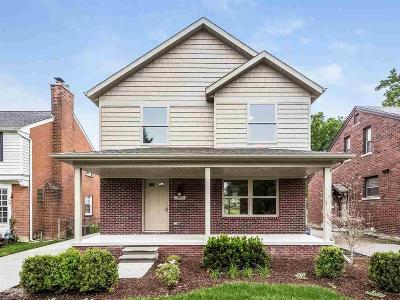 Saint Clair Shores MI Single Family Home For Sale: $255,000