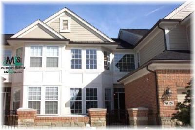 Condo/Townhouse Sold: 2027 Applewood