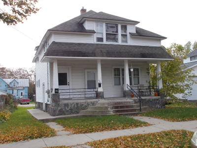 Marinette WI Multi Family Home For Sale: $59,900