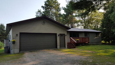 Marinette WI Single Family Home For Sale: $139,900