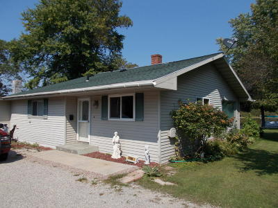 Marinette Single Family Home For Sale: N4194 Hwy 180