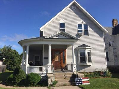 Marinette Single Family Home For Sale: 1020 Cook Street