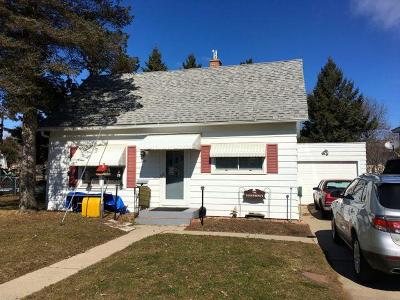 Marinette WI Single Family Home Pending: $58,140