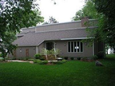 Marinette Single Family Home For Sale: N1742 Shore Drive