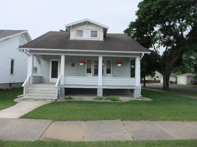 Menominee Single Family Home For Sale: 1517 16th Avenue