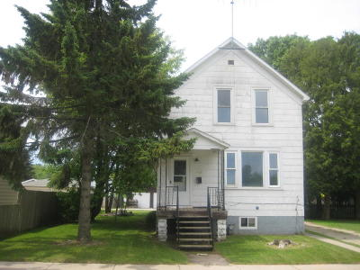 Single Family Home For Sale: 1515 Oakes Street