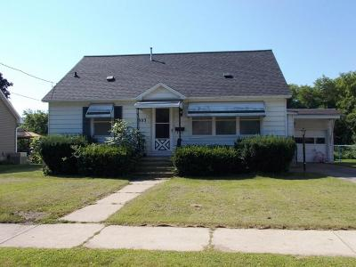 Marinette WI Single Family Home For Sale: $85,000