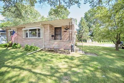 Menominee Single Family Home For Sale: 4100 North Shore Drive